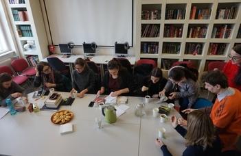 Pörgött a pirogszámláló a Ruszisztikai Módszertani Kabinet és Könyvtár 10. születésnapján