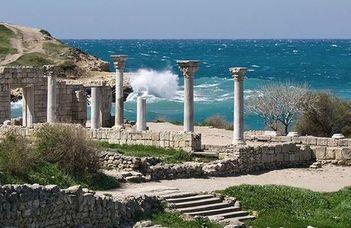 #оставайтесьдома и любуйтесь руинами прекрасного Херсонеса Таврического