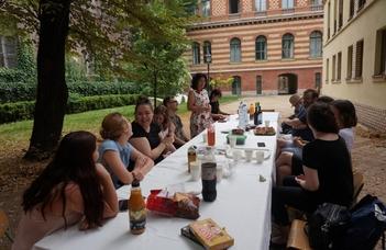 Ismét piknikkel ünnepeltük a végzős ruszisztika mesterszakosokat